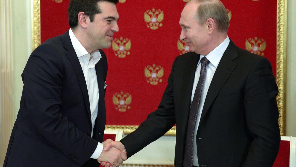 Президент России Владимир Путин и премьер-министр Греции Алексис Ципрас. Архивное фото